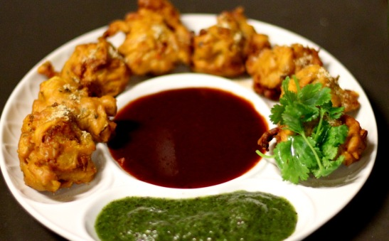 monsoon food culture of India, north indian foods, pakoras