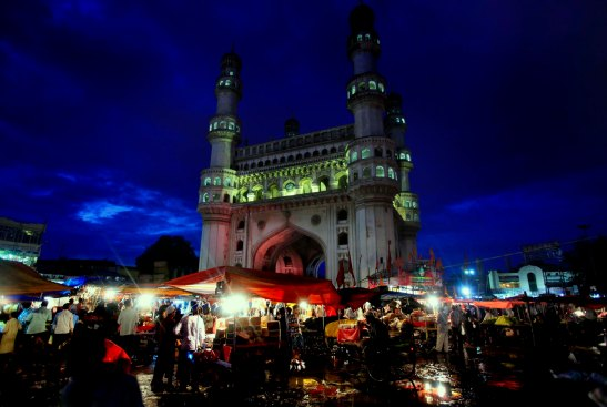 life around charminar in hyderabad, ramzan night bazaar near charminar