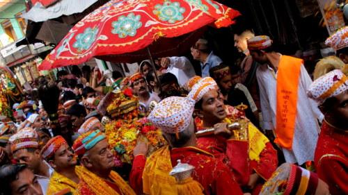 dussehra in kullu valley, the worship of Lord Raghunath