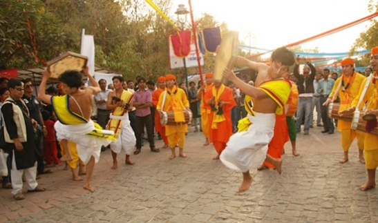 Holi festival in Manipur, best places to celebrate holi in India, how Indians celebrate Holi