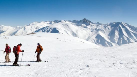 gulmarg skiing in kashmir, kashmir adventure travel blogs, summer india travel