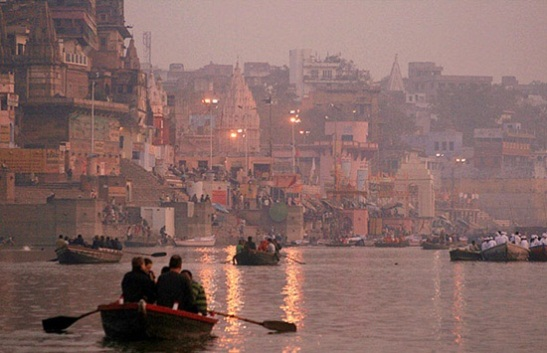 things to do in varanasi, travel tips for banaras, ganga dussehra festival 2014 date, life on ghats of varanasi