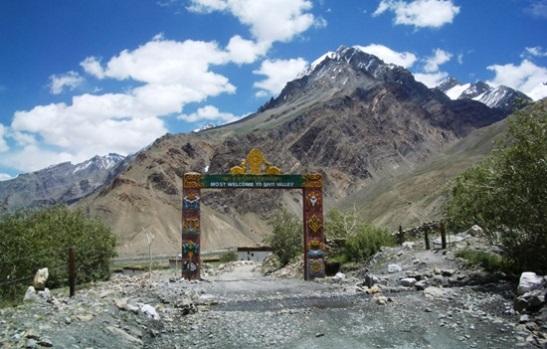 spiti valley himachal tourism, himalayan valleys in himachal pradesh, Indian Eagle travel blog